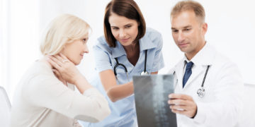 10 Crucial Questions to Ask When Interviewing a Spinal Surgeon